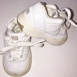 NIKE Baby White Leather Sneaker Size 3 C